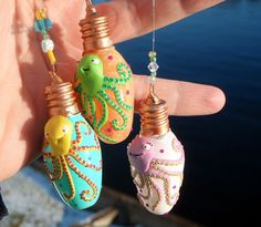 So cute. Recycled lightbulb ornaments