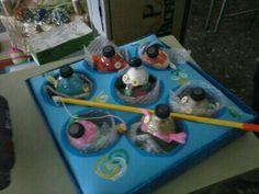 Juego para niños de pescar reciclado