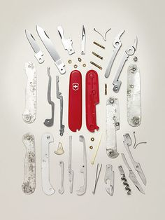 """Knolling is a unique way of taking photos of similar objects in a cool manner. The actual definition of knolling is """"the process of arranging like objects in Victorinox Knives, Victorinox Swiss Army, Things Organized Neatly, Coming Apart, Swiss Design, 3d Models, Grafik Design, Swiss Army Knife, Gadgets"""