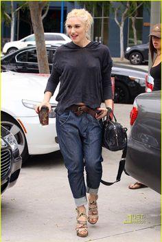 *girl crush Boyfriend jeans, belt, loose hoodie top