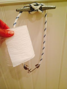 "Boat cleat toilet paper holder - 3 ft of 5/16 rope - 1 6"" cleat w ..."