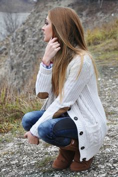 Love the sweater Fall Winter Outfits, Autumn Winter Fashion, Winter Hats, Fall Weather, Elbow Patches, Sonia Rykiel, Cozy Sweaters, School Outfits, Make Me Smile