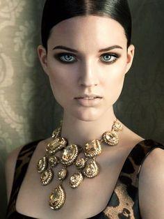 Какие украшения сейчас в моде: правила ношения украшений, с чем носить жемчуг