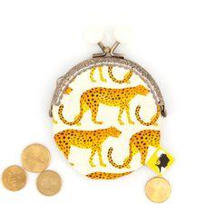 Porte monnaie original, illustré de guepards, fait-main avec fermoir clip en métal, cadeau pour femme, pour la fete des meres, 8x12 cm Clip, Coin Purse, Etsy, Wallet, Purses, Motifs, Parfait, France, Boutique