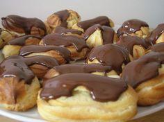 Profiteroles, Eclairs, Pasta Choux, Cake Servings, Mini Foods, Recipies, Appetizers, Chocolate, Cookies
