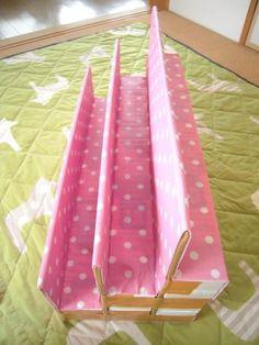 Baby Bookshelf, Decor Crafts, Diy And Crafts, Karten Display, Diy For Kids, Crafts For Kids, Craft Room Desk, Toilet Paper Crafts, Adornos Halloween