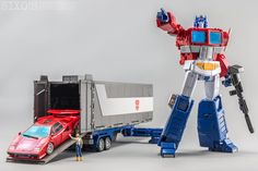 """""""Shoutout to for some great shots of Masterpiece Optimus Primes, 2 & Masterpiece Optimus Prime, Transformers Masterpiece, Transformers Characters, Transformers Prime, Transformers Robots, Super Robot, Great Shots, Toy Store, Models"""