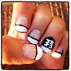 Check Taylor nails #nailart #nails #mani #manicure #DIY #beauty #trends #style