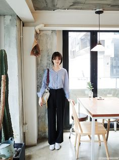 we are cherrykoko Korean Fashion Trends, Korean Street Fashion, Korea Fashion, Kpop Fashion, Asian Fashion, Daily Fashion, Casual Work Outfits, Chic Outfits, Fashion Vocabulary