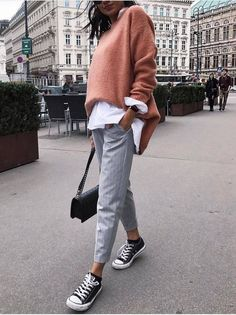 I love everything about this Fall outfit. Lovely Fall Fresh Looking Outfit. 45 Trendy Street Style Outfits You Should Own – I love everything about this Fall outfit. Lovely Fall Fresh Looking Outfit. Fashion Mode, Look Fashion, Winter Fashion, Womens Fashion, Trendy Fashion, Street Fashion, Fashion Black, Trendy Style, Casual Styles