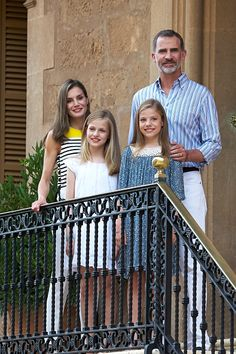 King Felipe VI of Spain, Queen Letizia of Spain, Princess Leonor of Spain (L) and Infanta Sofia of Spain (R) poses for the photographers during the summer photocall at the Marivent Palace on July 31, 2017 in Palma de Mallorca, Spain.