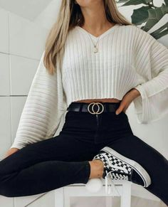 Get the school clothes you need to wear now- Hol dir die Schulkleidung, die du jetzt anziehen musst Outfits for going out you : Get the school clothes you need to wear now- Hol dir die Schulkleidung, die du jetzt anziehen musst Outfits for going out you - Trendy Fall Outfits, Winter Fashion Outfits, Look Fashion, Fashion Clothes, Stylish Outfits, Outfit Winter, Autumn Outfits, Fall Fashion, Spring Outfits