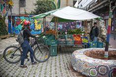 Praça de Bolso do Ciclista. 29/04/2015 Foto: Gabriel Rosa/SMCS. Arquivo - Rua São Francisco ganha ponto de venda de orgânicos - Álbum - Prefeitura de Curitiba