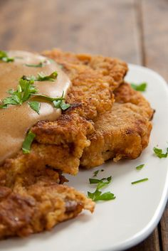 My Mom?s Chicken-Fried Steak Recipe For My Moms Chicken-Fried Steak - When the ? in her started getting anxious, she made Chicken-Fried Steak, comfort food at it& best! Meat Recipes, Chicken Recipes, Cooking Recipes, Cookbook Recipes, Cooking Tips, Recipies, Dinner Recipes, Chicken Meals, Beef Dishes