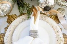 christmas-place-setting-silver-and-gold