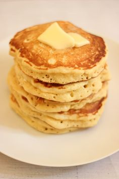 The best American pancakes – MIAM ! – The best American pancakes – MIAM ! American Pancakes, Salty Cake, Savoury Cake, Mini Cakes, Original Recipe, Clean Eating Snacks, Cake Recipes, Brunch Recipes, Quelque Chose