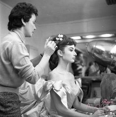 Rare Audrey Hepburn — Behind the scenes photos of Audrey Hepburn and...
