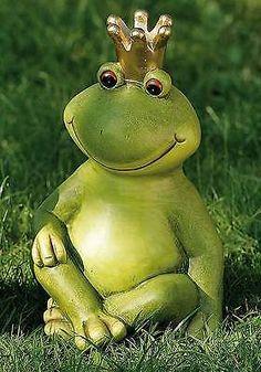 Garden Crafts, Garden Art, Frog Tattoos, Garden Frogs, Frog Theme, Garden Water Fountains, Frog Art, Cement Crafts, Ceramic Animals