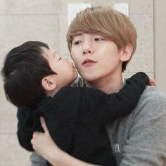The Return of Superman : Baekhyun getting a kiss from Seojun (1/2)