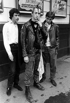 Doc Martens: British punks, 1981