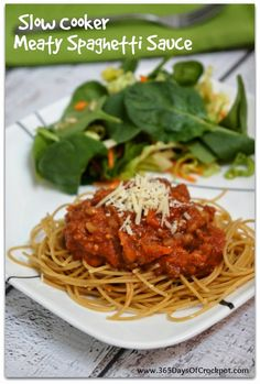 Slow Cooker Meaty Spaghetti Sauce Recipe