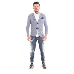 #OOTD #Giacca in tessuto a fantasia con #pochette abbinata e #jeans effetto consumato  #GianVargian #ss16