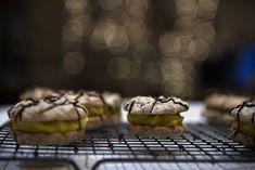 Du kan med en gang starte å glede deg til du har laget ferdig disse Dere, Muffin, Cookies, Breakfast, Desserts, Food, Crack Crackers, Morning Coffee, Tailgate Desserts
