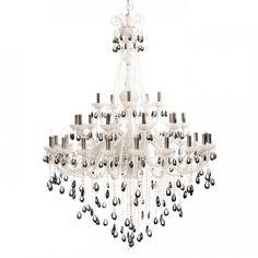 Straale® Victoria 35A Stor Hvit Lysekrone, Sorte Krystaller   Lamper & Lysekrone på nett - Lunelamper   Nettbutikk #lysekrone #storlysekrone #lunelamper #lamper
