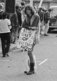 UK anti-Vietnam march (1969)