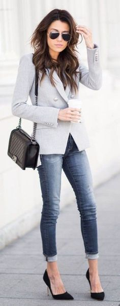Stunning women work outfits ideas trends for this winter 62