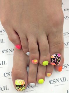 Toe Nail Art Designs Besides warmth and sunshine, summer and spring carry with them also the possibility to wear sandals and peep toe shoes, the chance to walk barefoot and the opportunity to let the skin breathe. As a matter… Continue Reading →