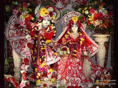 Sri Sri Kishore Kishori Wallpaper Wallpaper {ISKCON Chicago} For more screen resolution wallpapers visit http://harekrishnawallpapers.com