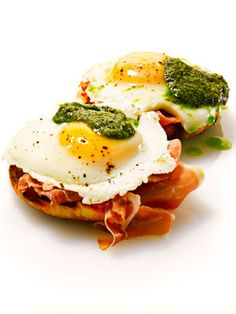 Green Eggs and Parma Ham! Seuss meets prosciutto and pesto with this eight-minute recipe from chef Evan Funke. Featured recipie from : Eat Like a Man Cookbook Crispy Brussel Sprouts, Sprouts With Bacon, Ham And Eggs, Green Eggs And Ham, 2 Eggs, Breakfast Bites, Breakfast Recipes, Perfect Breakfast, Ham Recipes