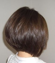 Haircuts Trends 2018 - The perfect layered Bob cut, with a beautiful graduation. by retreathair Haircuts Trends The perfect layered Bob cut, with a beautiful graduation. by retreathair Discovred by : Laurette Murphy Haircut Trends 2017, Hair Trends, Medium Hair Styles, Short Hair Styles, Short Bob Hairstyles, Bob Haircuts, Wedding Hairstyles, Bandana Hairstyles, Casual Hairstyles