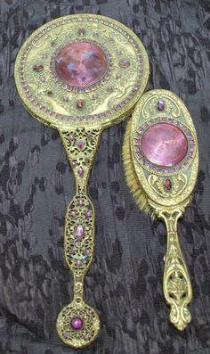 Ручные зеркальца эпохи модерна. Конец XIX - начало ХХ вв.