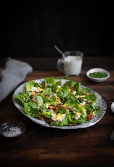 Bacon & egg salad with blue cheese recipe and a creamy blue cheese dressing #recipe #salad #egg #bluecheese #lowcarb #keto