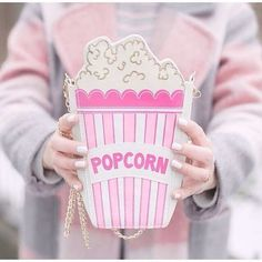 We are all about popcorn, and popcorn purse in pink?! So much fun and out of the box (literally)!