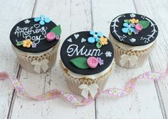 Chalkboard-Cupcakes-Final-Shot-550x393.jpg