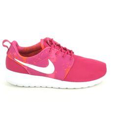 Ne cherchez plus elles se trouvent sur Sports Loisirs ! Nouvelles Nike Rosherun pour femme ! A ne pas louper !! http://www.sports-loisirs.fr/nike-roherun-rose-blanc.html