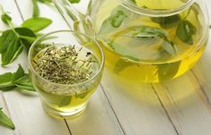 Green tea is giving you the blues, you can give these other teas a try. This article lists 12 best tea for weight loss - and everything else you need to know to boost it. Home Remedies For Hives, Hives Remedies, Diy Overnight Face Mask, Different Types Of Tea, Green Tea Cups, Natural Colon Cleanse, Green Tea Benefits, Chamomile Tea, Oolong Tea