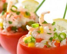 Salade de tomates festives : http://www.fourchette-et-bikini.fr/recettes/recettes-minceur/salade-de-tomates-festives.html