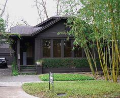 62 Super Ideas Exterior Paint Colours For House Dark Trim Black Doors Black House Exterior, Bungalow Exterior, Exterior Paint Colors For House, Paint Colors For Home, Exterior Colors, Exterior Design, Paint Colours, Charcoal House, Dark House