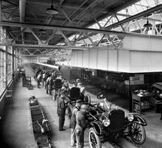 Ford Motor Company Model T assembly line, Louisville, Kentucky, 1925. :: Caufield & Shook Collection