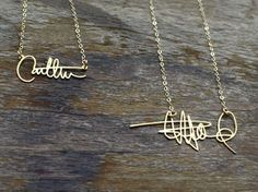 Signature Necklace - Any signature that can be scanned can be made - LOVE this idea