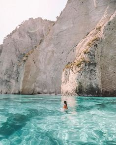 Ultimate Travel Guide to Zakynthos — Backpack With Me Zakynthos Reiseführer / Griechenland Corfu Town, Villefranche Sur Mer, Photos Voyages, Beautiful Places To Travel, Amazing Places, Romantic Travel, Good Places To Travel, Romantic Getaways, Beautiful Beaches