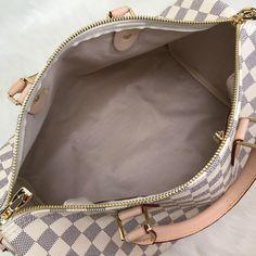 Louis Vuitton Bandoulier Speedy Bag – World Leather Design Louis Vuitton Handbags 2017, Louis Vuitton Speedy Bag, Bags 2018, Handbags Online, Leather Design, Authentic Louis Vuitton, Handbag Accessories, Monogram, Purses