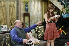 Debby Ryan in Jessie: (Season 1) - Picture 8 of 15