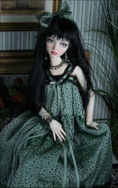 Cassie, by Dale Zentner Clay Dolls, Felt Dolls, Bjd Dolls, Pretty Dolls, Beautiful Dolls, Big Eyes Artist, Gothic Glam, Doll Home, Barbie Princess