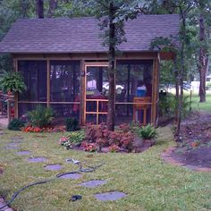 Screened in porch:! Good times:))