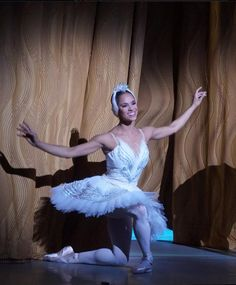 Misty Copeland Ballet Images, Ballet Pictures, Ballet Photos, Dance Pictures, Beautiful Person, Beautiful Things, Ballet Makeup, Black Ballerina, American Ballet Theatre
